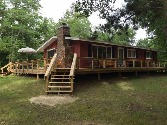 E2605 Pine Court, Waupaca, WI 54981 (#50198613) :: Symes Realty, LLC