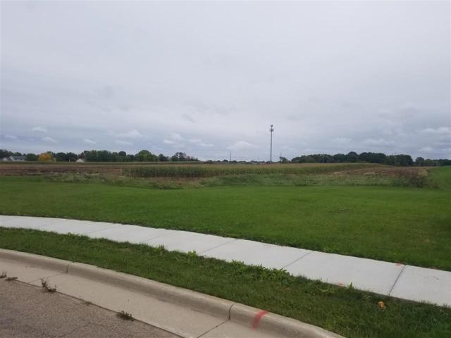 636 Carefree Court, Combined Locks, WI 54113 (#50198638) :: Dallaire Realty