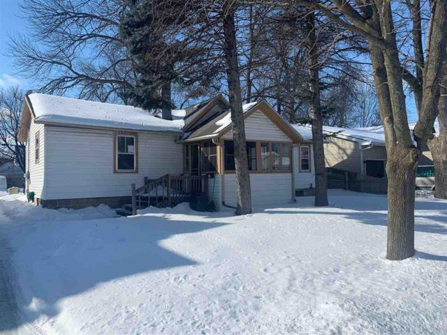 105 S Lake Street, Neenah, WI 54956 (#50198667) :: Todd Wiese Homeselling System, Inc.