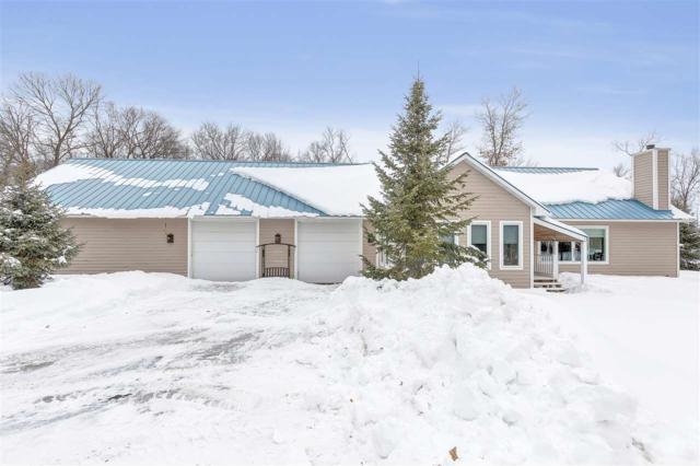 6221 Iditarod Trail, Lena, WI 54139 (#50198669) :: Todd Wiese Homeselling System, Inc.