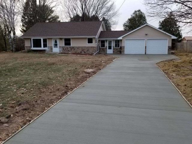 12571 Velp Avenue, Suamico, WI 54173 (#50198705) :: Todd Wiese Homeselling System, Inc.