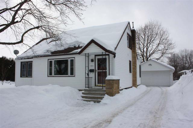 1011 S Washington Street, Shawano, WI 54166 (#50198721) :: Todd Wiese Homeselling System, Inc.