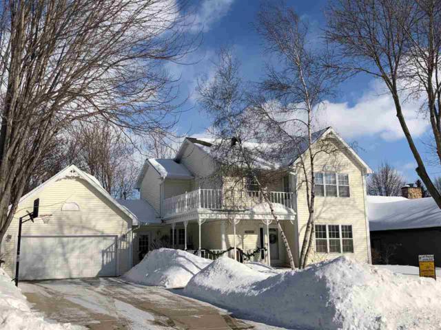 2397 La Rue Lane, Green Bay, WI 54313 (#50198753) :: Todd Wiese Homeselling System, Inc.