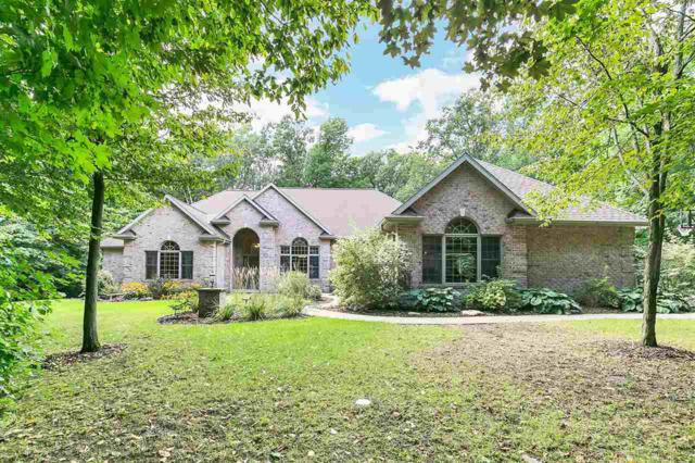 6186 Baywood Circle, Luxemburg, WI 54217 (#50198805) :: Todd Wiese Homeselling System, Inc.