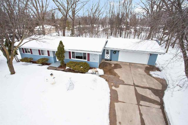 563 W Larrabee Street, Omro, WI 54963 (#50198996) :: Dallaire Realty
