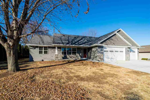 220 N 10TH Avenue, Winneconne, WI 54986 (#50199023) :: Dallaire Realty