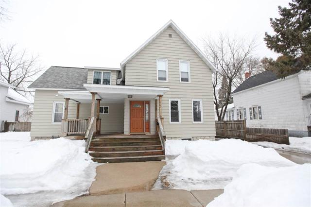 1521 Oakes Street, Marinette, WI 54143 (#50199165) :: Todd Wiese Homeselling System, Inc.