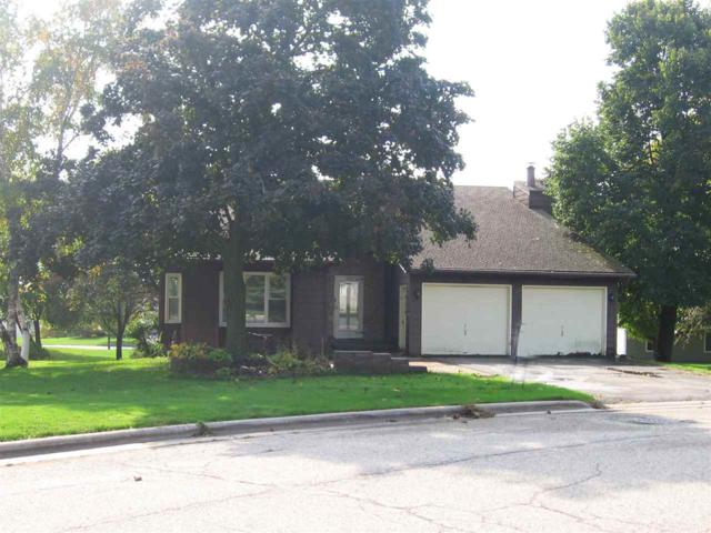 1829 Jefferson Drive, Sturgeon Bay, WI 54235 (#50199229) :: Todd Wiese Homeselling System, Inc.