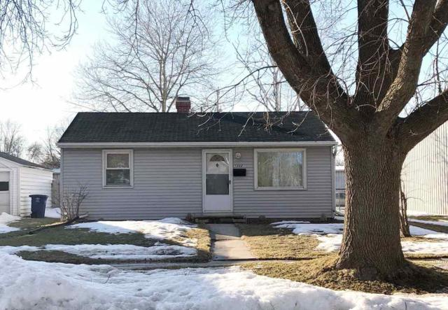 1222 S Chestnut Avenue, Green Bay, WI 54304 (#50199246) :: Symes Realty, LLC