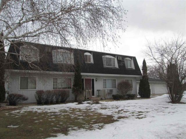 210 Birch Lane, Reedsville, WI 54230 (#50199249) :: Dallaire Realty