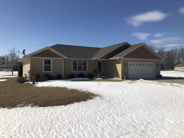 939 Aubrey Lane, Little Suamico, WI 54141 (#50199339) :: Symes Realty, LLC
