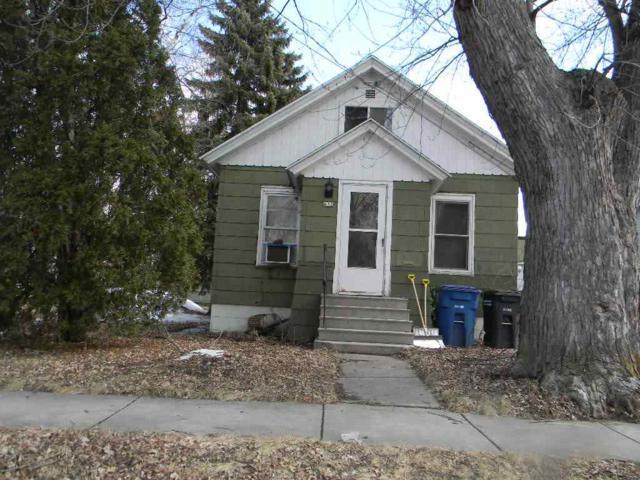 664 Broad Street, Oshkosh, WI 54901 (#50199417) :: Todd Wiese Homeselling System, Inc.