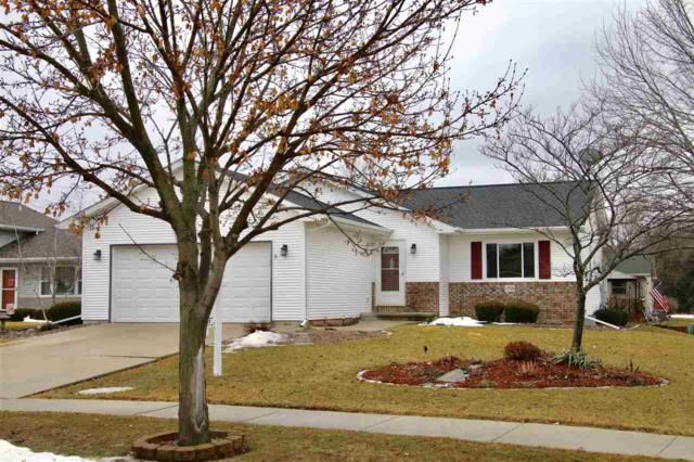 1018 Bluehill Avenue, Fond Du Lac, WI 54935 (#50199435) :: Todd Wiese Homeselling System, Inc.