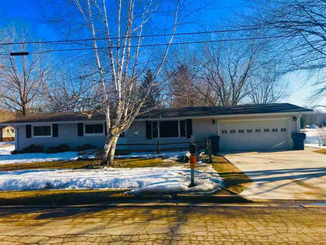101 W Greentree Road, Clintonville, WI 54929 (#50199470) :: Todd Wiese Homeselling System, Inc.