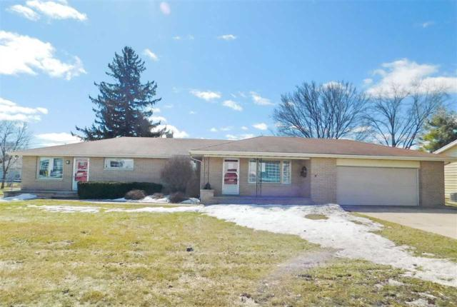 2723 W Lawrence Street, GRAND CHUTE, WI 54914 (#50199536) :: Todd Wiese Homeselling System, Inc.