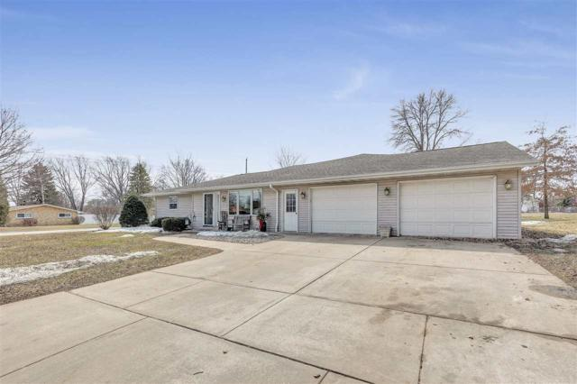 1691 View Lane, Green Bay, WI 54313 (#50199747) :: Todd Wiese Homeselling System, Inc.