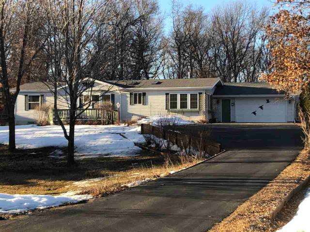 W5846 Oak Park Circle, Shawano, WI 54166 (#50199854) :: Todd Wiese Homeselling System, Inc.