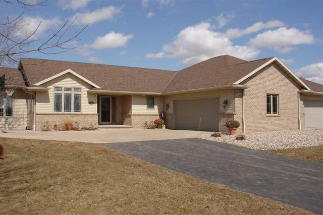 3210 Golden Glow Road, De Pere, WI 54115 (#50199899) :: Todd Wiese Homeselling System, Inc.