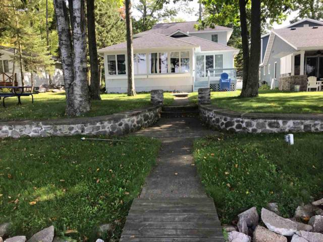 N2559 Rustic Drive, Clintonville, WI 54929 (#50200300) :: Dallaire Realty