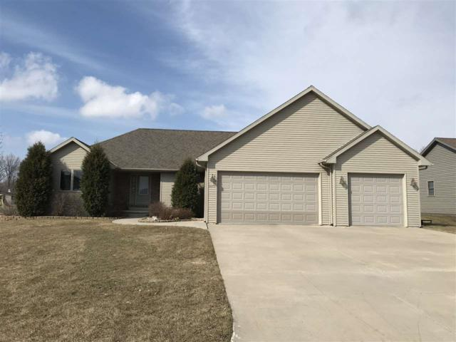 2273 Tiger Court, Green Bay, WI 54311 (#50200379) :: Dallaire Realty