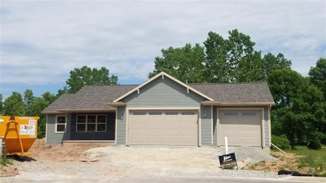 1625 Hickory Hollow Lane, Menasha, WI 54952 (#50200847) :: Dallaire Realty