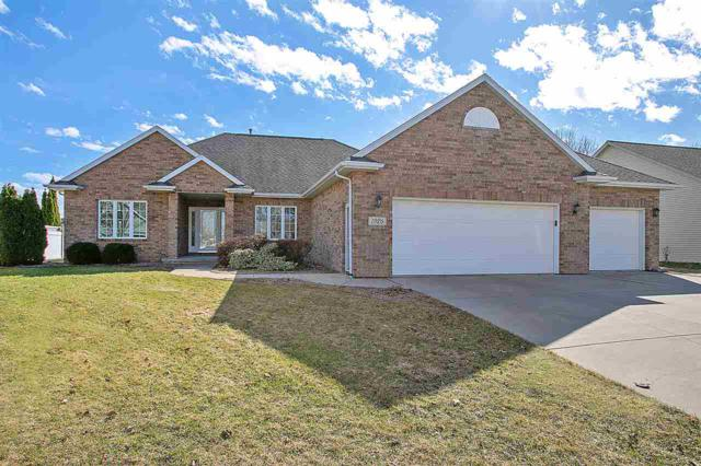 1926 Paint Horse Trail, De Pere, WI 54115 (#50201003) :: Todd Wiese Homeselling System, Inc.
