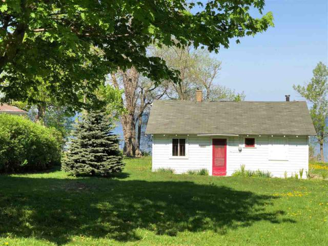N6421 Fairy Springs Road, Hilbert, WI 54129 (#50201216) :: Dallaire Realty
