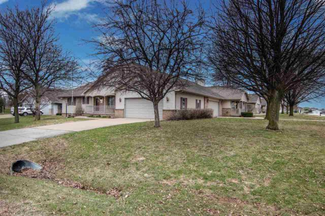 W2793 Brookhaven Drive, Appleton, WI 54915 (#50201257) :: Dallaire Realty