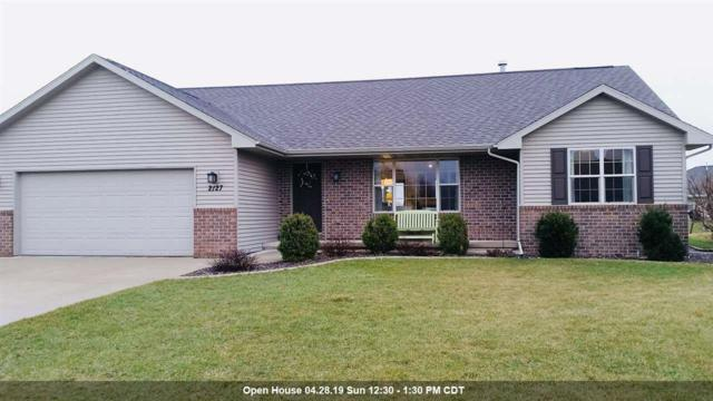 2127 W Melcorn Circle, De Pere, WI 54115 (#50201279) :: Todd Wiese Homeselling System, Inc.