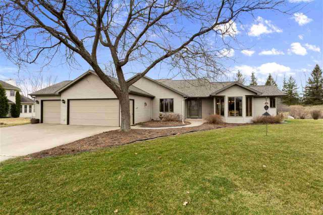 W7372 Spring Valley Drive, Greenville, WI 54942 (#50201341) :: Dallaire Realty