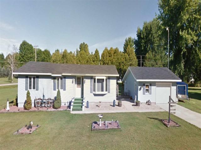 W5088 Highland Drive, Shawano, WI 54166 (#50201357) :: Dallaire Realty