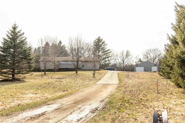 N3151 Hwy D, New London, WI 54961 (#50201395) :: Todd Wiese Homeselling System, Inc.