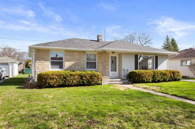 1228 E Byrd Street, Appleton, WI 54911 (#50201490) :: Dallaire Realty