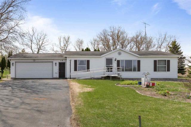 4931 Fisk Avenue, Oshkosh, WI 54904 (#50201613) :: Symes Realty, LLC