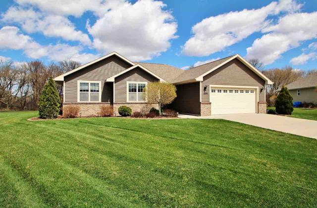 1895 Paris Lane, Green Bay, WI 54313 (#50201708) :: Dallaire Realty