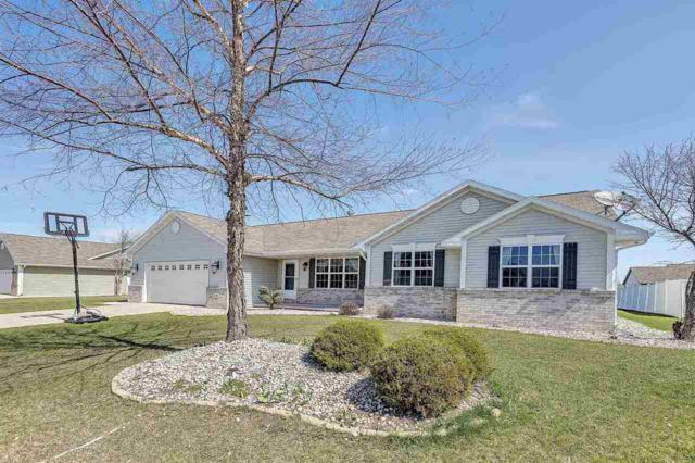 334 Cross Gate Lane, De Pere, WI 54115 (#50201773) :: Dallaire Realty
