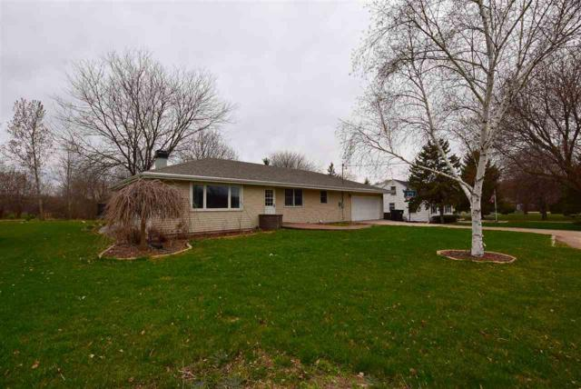 W6265 Old Highway Road, Menasha, WI 54952 (#50201848) :: Dallaire Realty