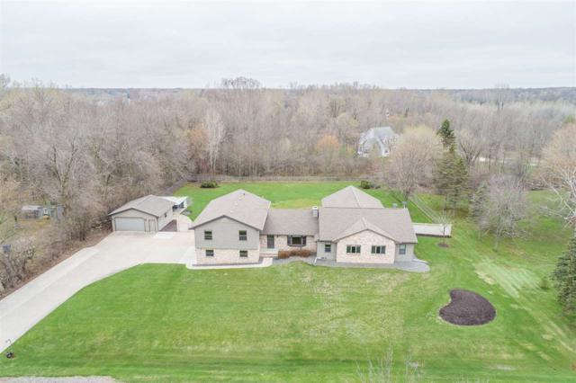 504 Vassar Lane, Neenah, WI 54956 (#50201904) :: Todd Wiese Homeselling System, Inc.
