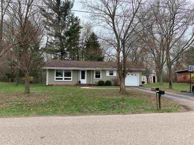 540 Harriet Street, Waupaca, WI 54981 (#50202180) :: Dallaire Realty