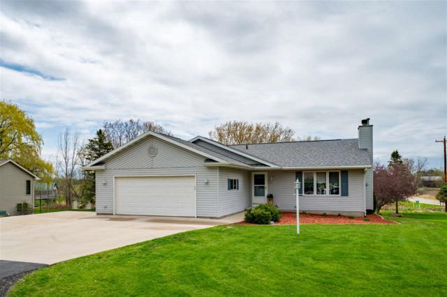 5295 White Pine Drive, Larsen, WI 54947 (#50202294) :: Dallaire Realty