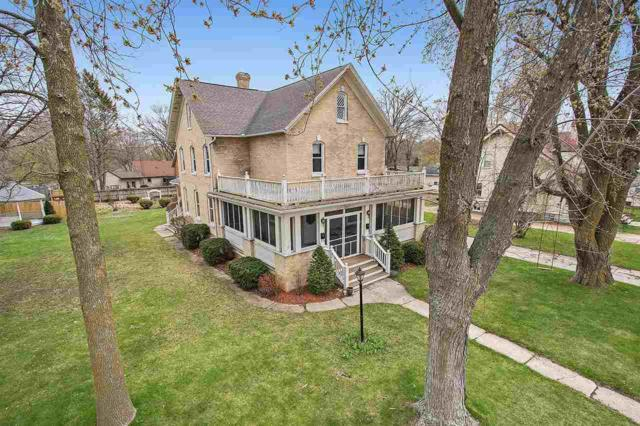 310 Cleveland Street, Brillion, WI 54110 (#50202467) :: Dallaire Realty
