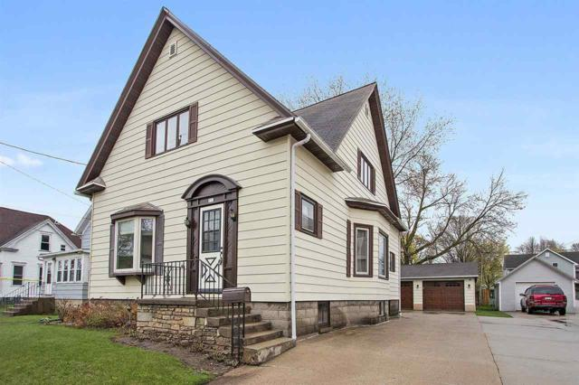 131 Oak Street, Brillion, WI 54110 (#50202543) :: Todd Wiese Homeselling System, Inc.
