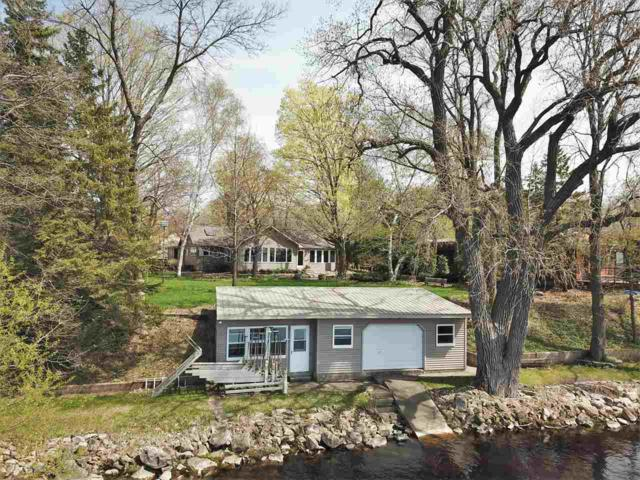 7107 Clarks Point Road, Winneconne, WI 54986 (#50202596) :: Todd Wiese Homeselling System, Inc.