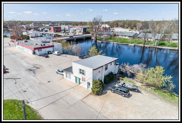 117 E South Water Street, New London, WI 54961 (#50202637) :: Todd Wiese Homeselling System, Inc.