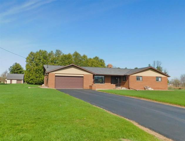 N2523 West Town Road, Pulaski, WI 54162 (#50202665) :: Dallaire Realty