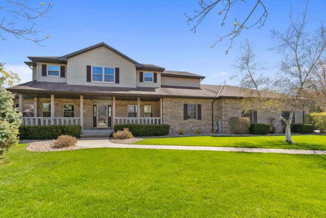 1954 Old Valley Court, De Pere, WI 54115 (#50202784) :: Dallaire Realty