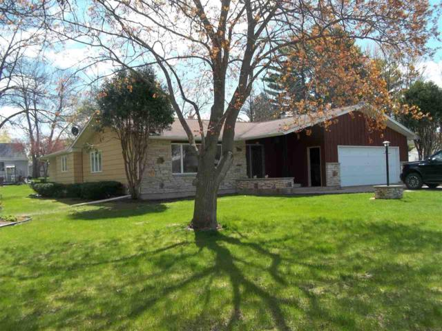 220 Pine Street, Clintonville, WI 54929 (#50202859) :: Todd Wiese Homeselling System, Inc.
