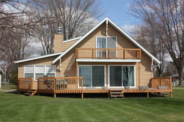 205 W Baehr Street, Cecil, WI 54111 (#50202889) :: Dallaire Realty