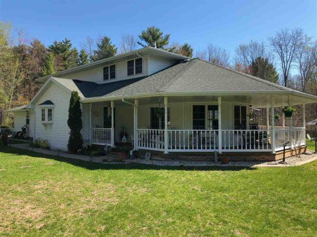 1389 Neverland Court, Suamico, WI 54173 (#50202965) :: Dallaire Realty