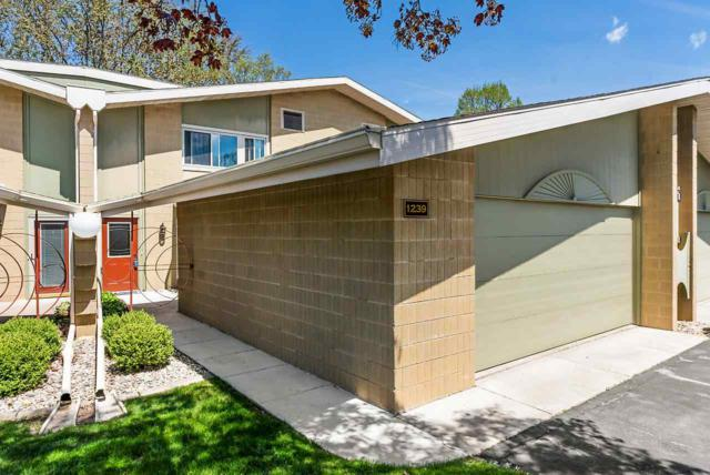 1239 W Nicolet Cercle, Appleton, WI 54914 (#50202973) :: Dallaire Realty